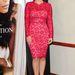 Kim Kardashian az új parfümének bemutatóján a piros ruhában.