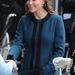A londoni metró 150. évfordulóján viselt kék kabátot nagyon megirigyeltük a hercegnétől. Március 20.
