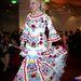És Medveczky Ilona 50 éves kalocsai ruhája a Story gáláról... Nincs sok hasonlóság.