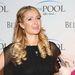 Természetesen Paris Hilton is besütette haját