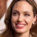 Angelina Jolie a szezon természetesen színei közül válogatott