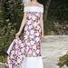 A Chanel kifutóján a modellen ékes boa díszelgett és a ruha alján több volt a fehér.