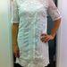 H&M - 12990 Ft. Ha nem nadrág-blúz-zakó kombinációval akarunk talpig fehérbe borulni, egy nyári ruha is megteszi. A csipkés, hímzett darabok ebben a szezonban nagyon menők.