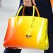 Rikító színű táska bevállalósoknak.