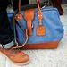 Egy részletfotó, a nagy táskáknak is létezik merevített verziója.