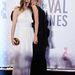 A tunéziai-francia rendező, Abdellatif Kechiche Adele élete című filmjével nyerte el vasárnap este a fődíjat, az Arany Pálmát. A zsűri elnöke, Steven Spielberg hangsúlyozta, hogy a díj a film színésznőit, Lea Seydoux-t és Adele Exarchopoulost éppúgy megilleti. A képen a két színésznő a győztesek vacsorájára érkezik, fehér Gucciban Exarchopoulos, fekete Maxime Simoens Couture-ben Seydoux.