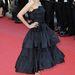Audrey Tatou a Vénusz nercben premierjére fodros aljú fekete Lanvin ruhát választott