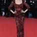 Bianca Balti olasz modell bevállalt egy totál kihímzett, áttetsző Dolce & Gabbana estélyit.