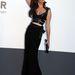 Julia Restoin Roitfeld a francia Vogue ex-főszerkesztőjének lánya. A pózt a lapból leshette el.