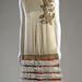 Nicole Groult 1926-ban tervezte ezt a selyem szaténből, krepp fémszálakból és szőrméből készült ruhacsodát.