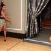 Mi sem szeretünk belebújni a kölcsönözhető bowlingcipőkbe, de Kim Kardashiannek biztosan telne egy sajátra.