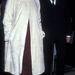 Liv Tyler bordó ruhában és fehér bundában érkezik egy 1997-es filmpremierre.