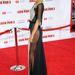 Gwyneth Paltrow bugyivonalig felsliccelt ruhában mulatott az Iron Man 3 premierjén Los Angelesben.