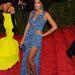 Beyoncé húga ilyen lábvillantós ruhában tisztelgett a punkok előtt a MET Gálán.