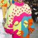 Rachel Choi kötött pulóverei inkább nőiesek.