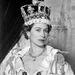 A szép királynő megkoronázásakor Winston Churchill volt Nagy-Britannia miniszterelnöke.
