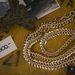 Az óriás arany(ozott) láncok idén több bolt kínálatában is feltűntek, a USE-nál 14000 Ft-nél vásárolhatja meg.