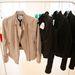 A bézs és fekete dzsekik a férfi és a női kollekcióban is helyet kaptak.