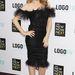 Kylie Minogue más ruhában tette volna derékra a kezét.