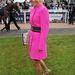 Emma Spencer talpig pinkben. Ő Jamie Spencer, híres zsoké felesége.