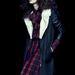 A grunge visszatért, csak most egy kicsit nőiesebb formában. A blúz 4500, a szoknya 5290, a kabát 16900 forint.