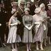 1958, Epsom: II. Erzsébet királynő és az anyakirályné a derbin