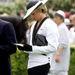 1985, november, Ausztrália: Diana hercegnő a Flemington versenypályán Melbourne-ben. Szettjét Bruce Oldfield tervezte, kalapját Frederick Fox