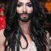 Így nézne ki Kim Kardashian szakállasan