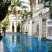 Pálmafák és antik hangulat: csak egy igazi multi-milliárdos engedhet meg magának efféle luxust.