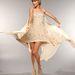 A négy díjra is jelölt Taylor Swift egy elegáns, kristályokkal kirakott Elie Saab ruhában érkezett a Bridgestone Arénaba