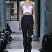 Ugyanaz a felső nadrággal a Balenciaga tavaszi/nyári bemutatóján. Kristen Stewart a vörösszőnyegen, Gwyneth Paltrow pedig egy fotózáson viselte ugyanazt a szettet.