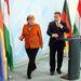 Orbán Viktort például egy narancssárga blézerrel tisztelte meg. Micsoda gesztus!