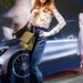 Rea Bill Jil Sander nadrágban, DG cipőben, Chanel táskával