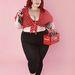Tess Munster amellett, hogy elismert plus size modell, az egyik legnépszerűbb divatblogot vezeti.