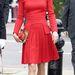 Katalin hercegné piros designerruhában 2012 júniusában