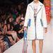 Kollekciójára jellemzőek a pasztell színek és a blokkokból felépített ruhák.