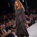 Zarubova legtöbb ruhájáról elmondható, hogy hordható, és művészi, ahogy az anyagok lazán redőződnek.