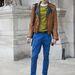 Utcai divat Valentino népszerű terepmintás cipőjével.