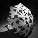 1946: Jacques Heim által tervezett ernyő. A híres párizsi tervező bundákat és női ruhákat készített, 1930-ban nyílt meg butikja a francia fővárosban, 1969-ben zárt be. Sophia Loren például imádott nála vásárolni.