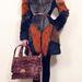 """Abodi Dóra 2012-es őszi/téli """"Secret Layers"""" (Titkos rétegek) névre keresztelt kollekciójának egyik bundája."""