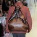 A táska viszont igazi must have, biztos sok más tervezőt és márkát inspirál majd.