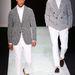 A duplasoros zakó nagyon kevés embernek áll jól, még Giorgio Armani modelljén is furán mutat.
