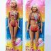 Csontsovány Barbie és életképes méretű párja.