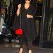 Családban marad: Kim Kardashiannak is jutott a táskából.