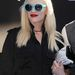 Gwen Stefani tudja, hogy ha fekete ruhát vesz, színes kiegészítőkkel kell feldobnia szettjét