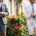 A zakó és a rövidnadrág a legtöbbször indokolatlan, de mégis bekúszott a nyári trendek közé.