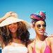Beyoncé és barátnője igazi strandkiegészítő-parádét rendez, ha nyaralni mennek