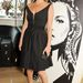A brit szupermodell Prada-ban promotálta trendi telefontokjait
