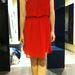 Még egy piros ruha: ha nem harsány árnyalat, inkább telt, sötétpiros a ruha, akkor felvehetjük esküvőre, talán nem utál ki a rokonság. Mango, 6495 forint.
