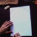 Rajzolja meg a szív egyik oldalát egy A4-es lapra. A méret tetszőleges, döntse el, mekkora szívecskét szeretne hátulra.